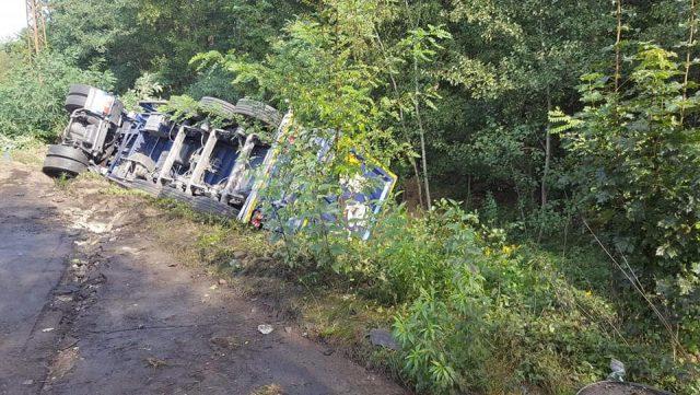 Wypadek ciężarówki w Łęczycy fot. OSP Puszczykowo