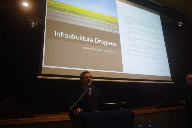 Robert Borkiewicz na debacie w MOK