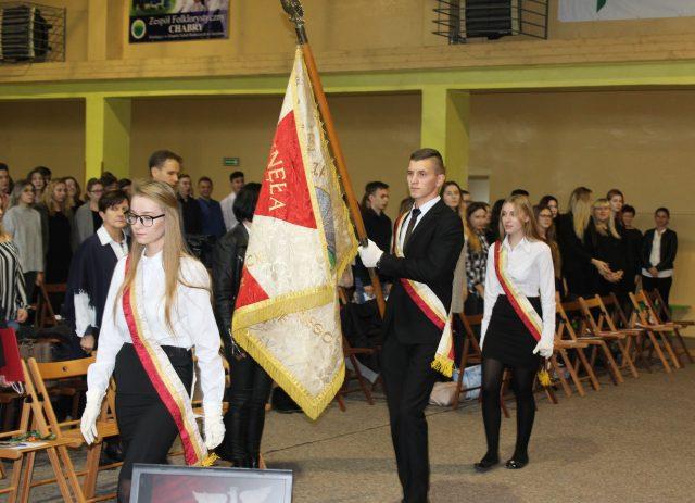 uroczyste obchodyi 100-lecia Odzyskania Niepodległości w ZS w Grzybnie