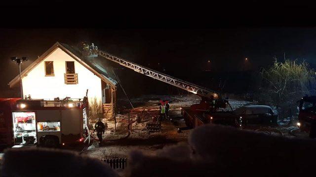 pożar we wsi Czołowo - akcja gaśnicza