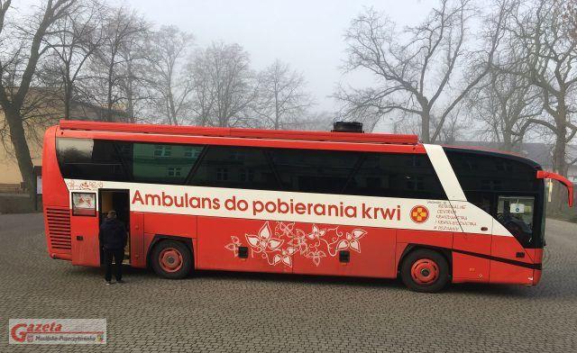 autobus - Mobilny Punkt Poboru Krwi - autobus- ZSR w Grzybnie