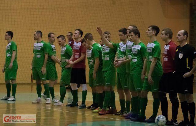 drużyna UKS Orlik Mosina przed meczem