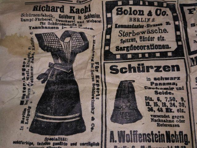 fragmenty starych niemieckich gazet z XIX w.
