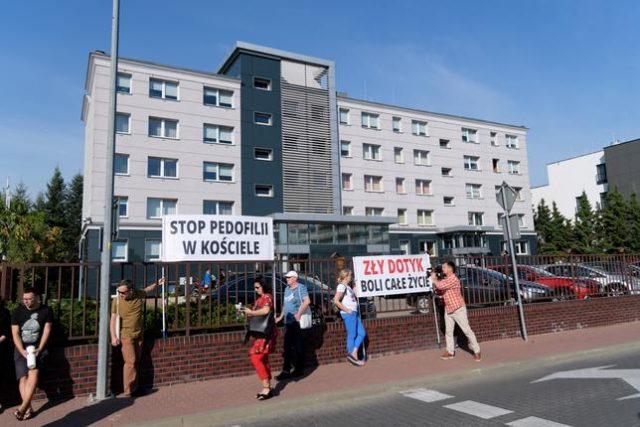Protest przed poznańskim sądem