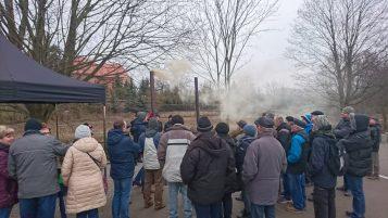 Smog - pokaz rozpalania w piecu w Mosinie
