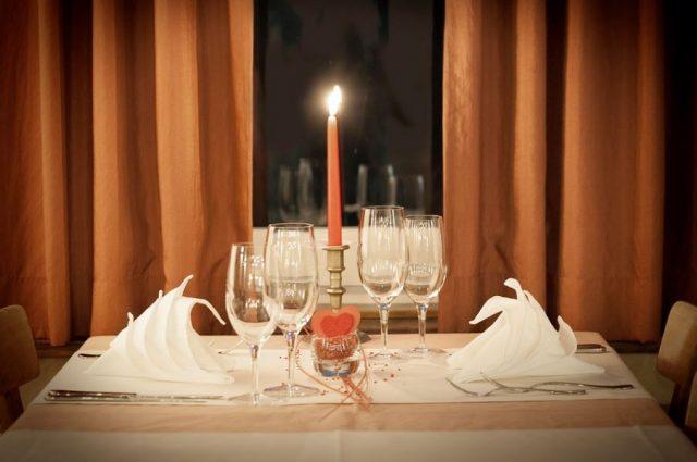 C:\Users\Jano\Desktop\romantyczna kolacja przy świecach.jpg