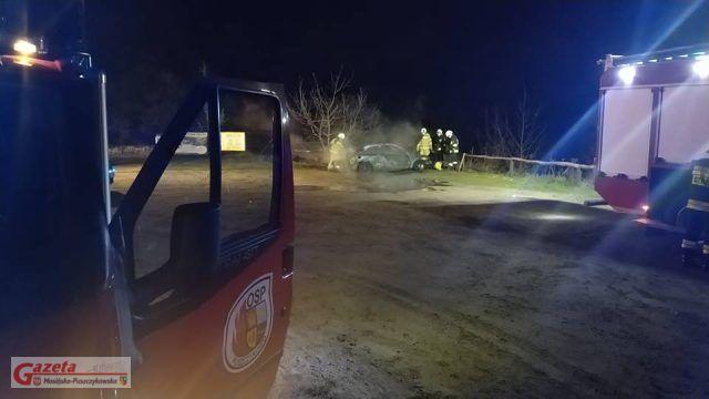 tragiczny pożar samochodu w Mosinie