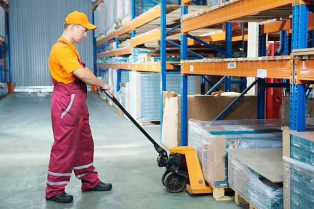 warunki pracy wózków paletowych ręcznych