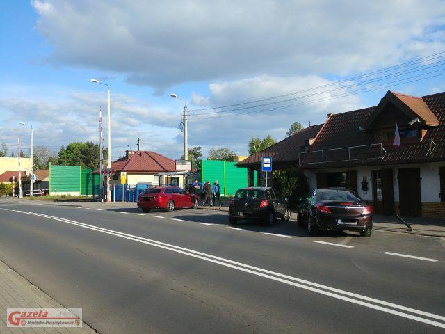 dawny parking (obecnie przystanek autobusowy) przy ulicy Dworcowej w Puszczykowie