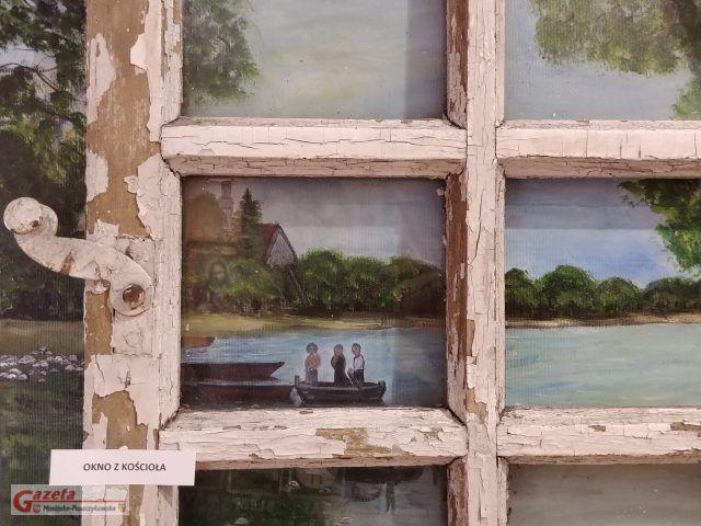 Okno z Kościoła w Rogalinku - Galeria Sztuki w Mosinie