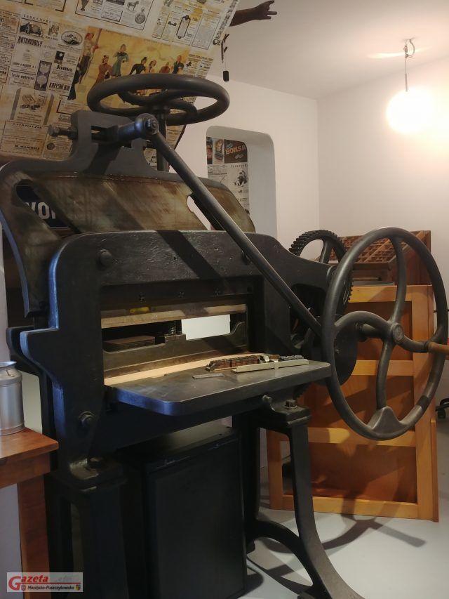 zabytkowa maszyna drukarska