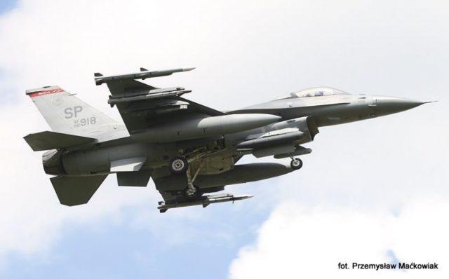 samolot wielozadaniowy Lockheed Martin F-16C Fighting Falcon