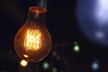 wyłączenia prądu - żarówka