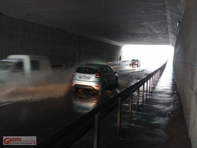 zalany tunel na ulicy Śremskiej w Mosinie