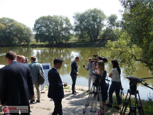 most Czapury - Luboń - konferencja prasowa nad Wartą