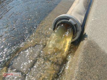 przepłukiwana woda z sieci Awuanet - ulica Wawrzyniaka