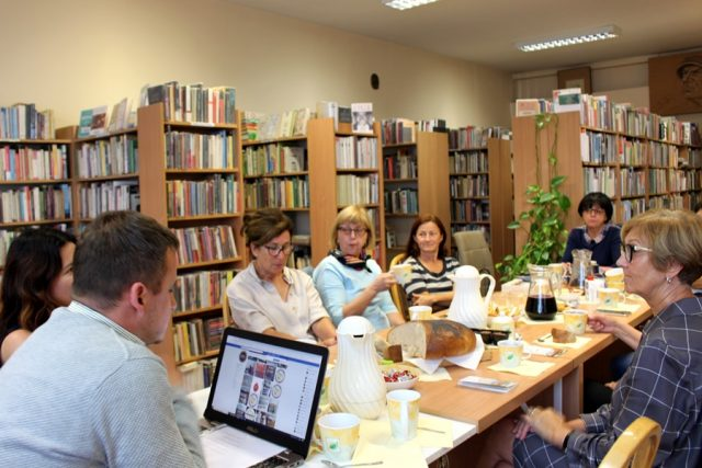 spotkanie DKK na temat idei Zero Waste (Jadłodzielnia Mosina)