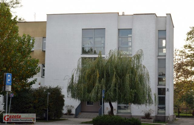 dawny budynek przychodni - teraz budynek ma zostać zaadaptowany na Urząd Miejski