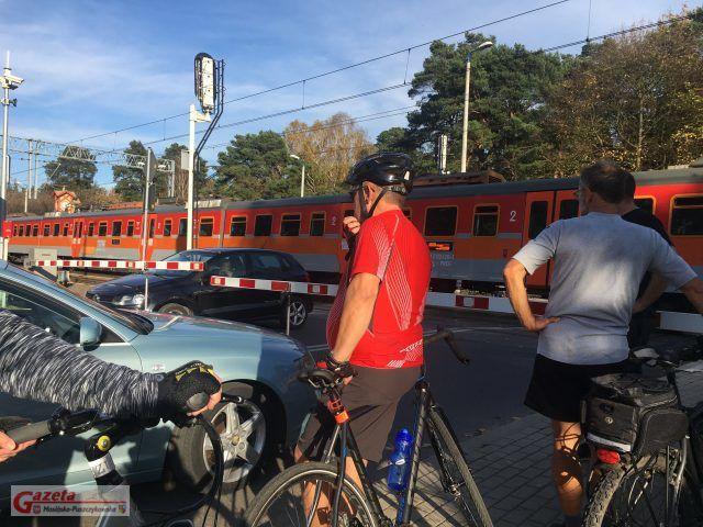 incydent na przejeździe kolejowym w Puszczykowie