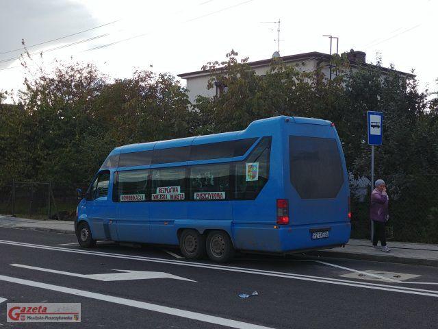 przystanek autobusowy na ulicy Moniuszki w Puszczykowie