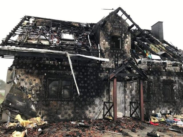 spalony dom w Dymaczewie Starym (2)