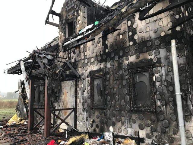 spalony dom w Dymaczewie Starym