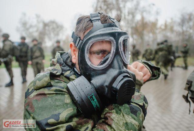09.11.2019 - Strażacy Państwowej Straży Pożarnej w Luboniu szkolą wielkopolskich terytorialsów
