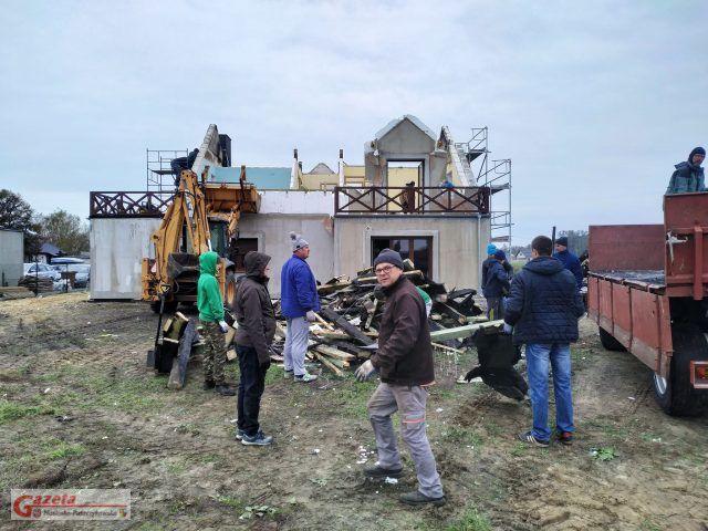 odbudowa spalonego domu