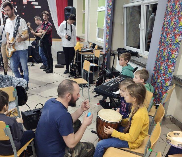Jam session w SP1 - akcja Dżem w stołówce