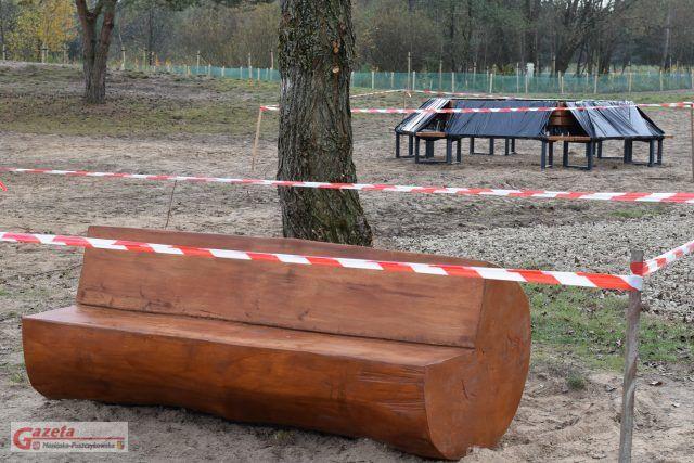 Zakole Warty w Puszczykowie - nowe ławki