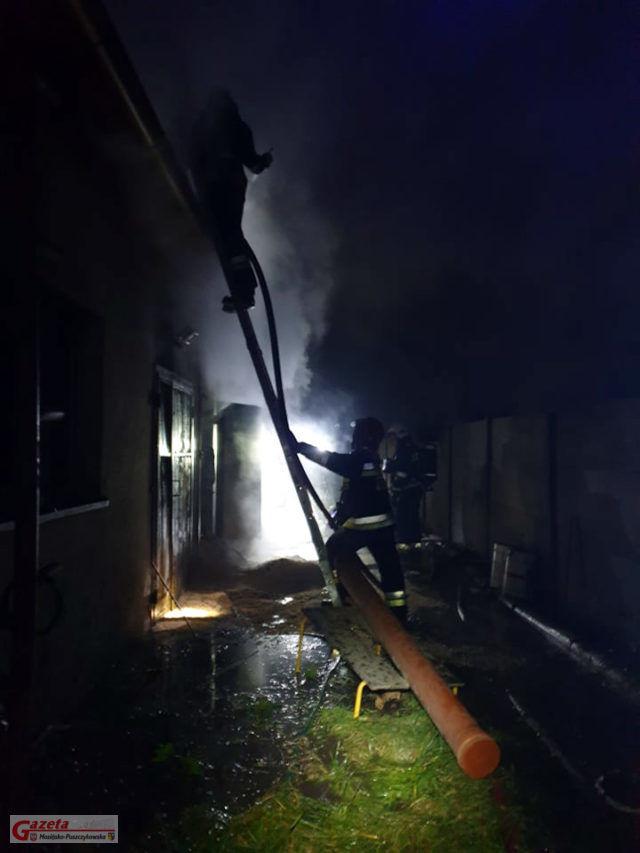 Pecna - pożar w zakładzie stolarskim fot. OSP Mosina