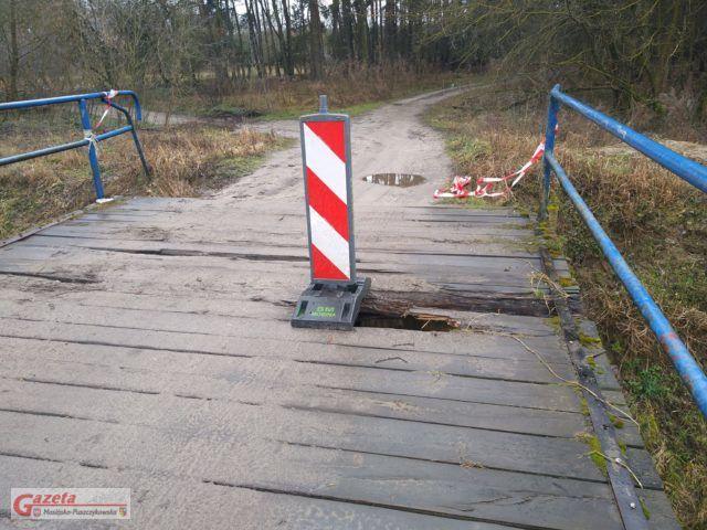 most nad Kanałem Mosińskim - zamknięty czy otwarty?