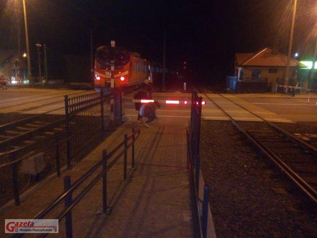niebezpieczna sytuacja w rejonie stacji Puszczykówko