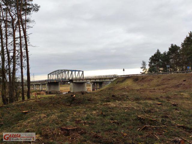 Most w Rogalinku - po wycince drzew - w tym miejscu powstanie nowy most