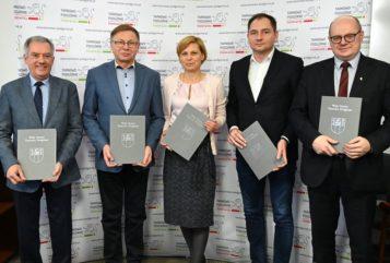 podpisanie porozumienia w sprawie odpadów komunalnych
