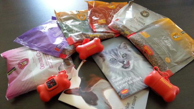 wysokiej jakości sucha i mokra karma oraz kosmetyki i drobne smakołyki dla psów i kotów