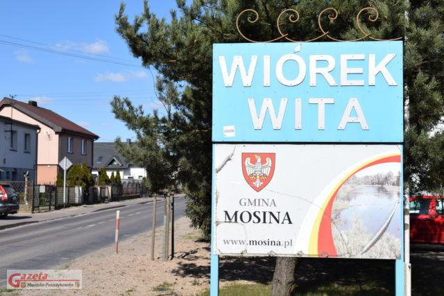 Wiórek Wita - tablica przed wjazdem od strony Sasinowa