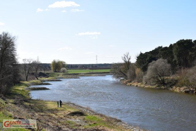 Rzeka Warta na wysokości wsi Wiróek (gmina Mosina)