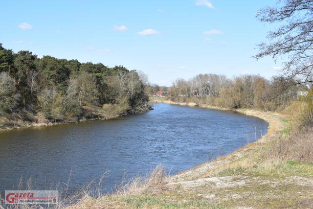 Rzeka Warta na wysokości wsi Czapury (gmina Mosina)