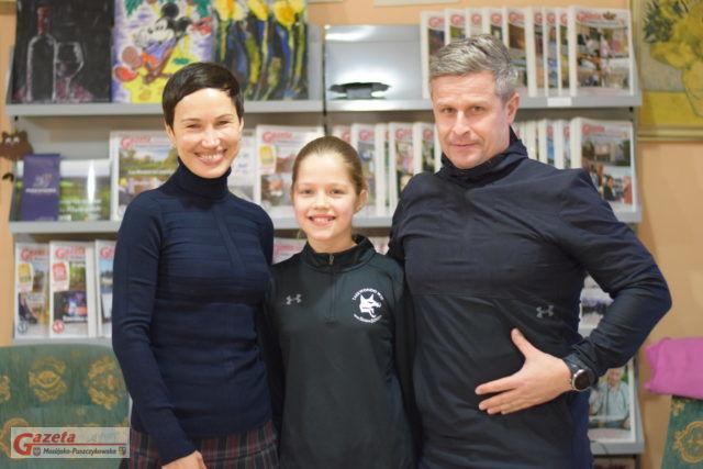 Faustyna Tomczak z mamą i terenerem w redakcji GMP