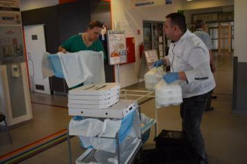 dostawa jedzenia do szpitala w Puszczykowie