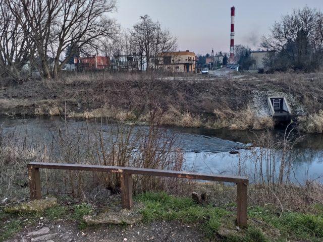 Kanał Mosiński na wysokości ulicy Łaziennej w Mosinie