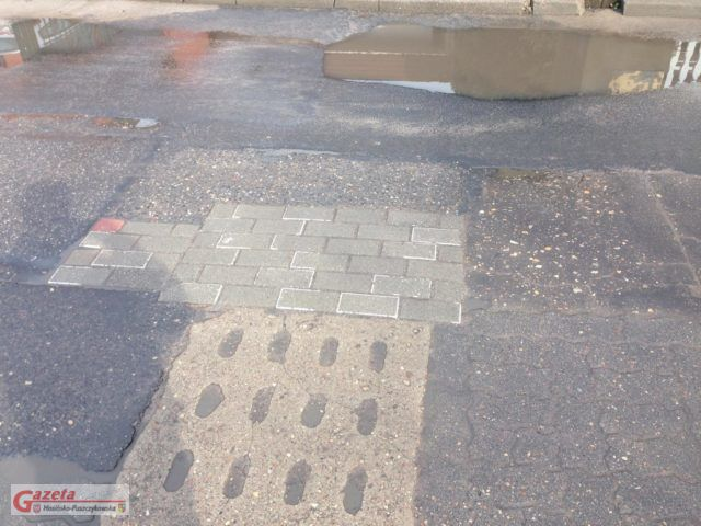 stan nawierzchni na ulicy Sowinieckiej w Mosinie