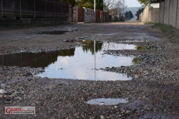 Fatalny stan ulicy Mieszka I w Mosinie