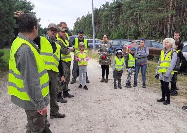 Wolontariusze WPN - sprzątnie śmieci w WPN