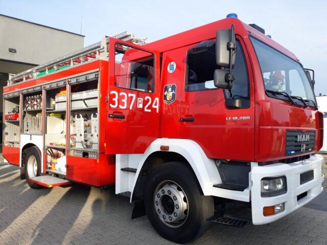 Ciężki samochód ratowniczo – gaśniczy MAN LE 18.280 należący do OSP Puszczykowo