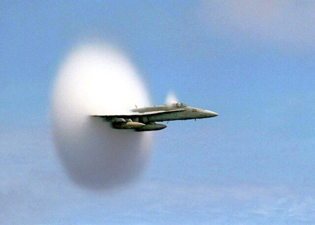 Samolot F-18