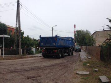 ulica Łazienna w Mosinie - ciężarówka