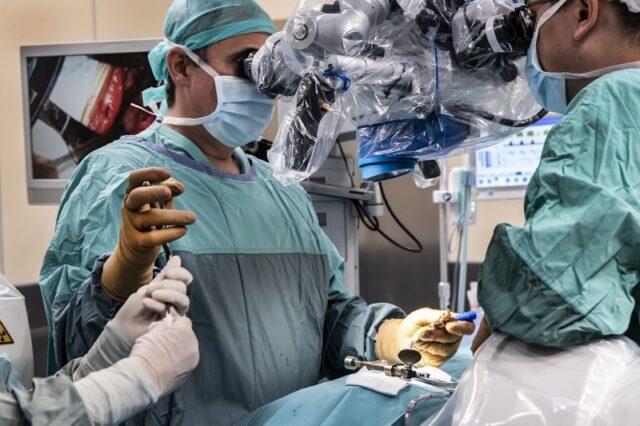 Szpital w Puszczykowie - w trakcie operacji