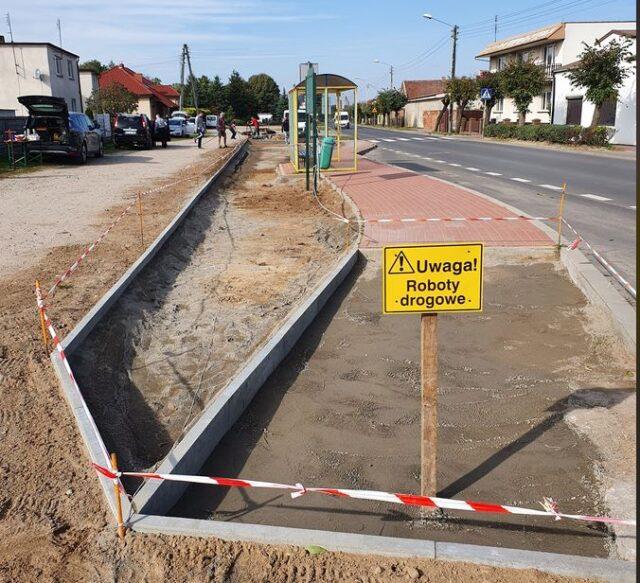 Przystanek autobusowy, rewitalizowany przez mieszkańców Daszewic